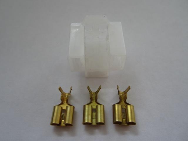 Head light connector